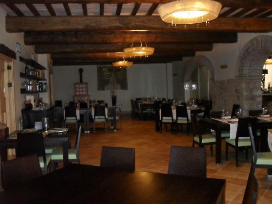Molino del Duca Cesi: La sala ristorante
