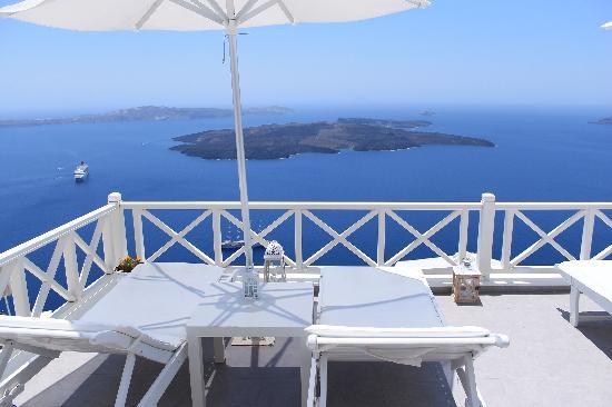 Avianto Suites: Where we enjoyed the sun
