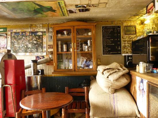 Cafe Conquistador: 室内