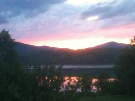 Mountain Meadows Lodge: sunset