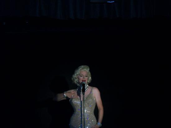 """La Te Da Hotel : """"Marilyn"""" at the Cabaret"""