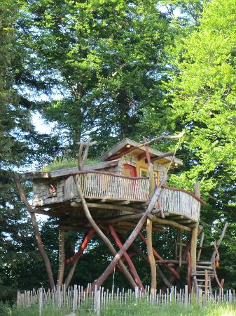 Berghotel Schlossanger Alp: Brand new tree fort for two (booked every weekend this summer)