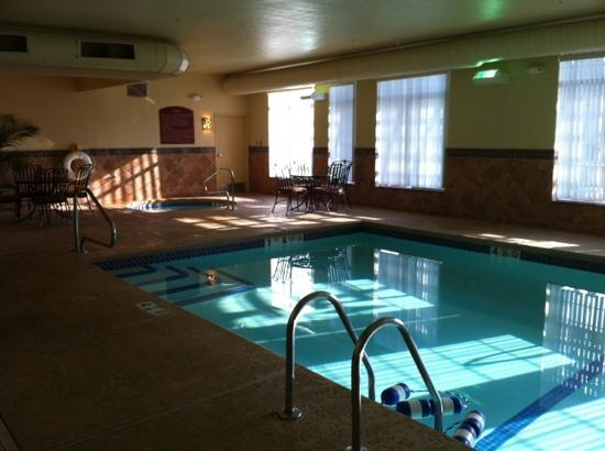 BEST WESTERN PLUS Vineyard Inn & Suites: pool and jacuzzi