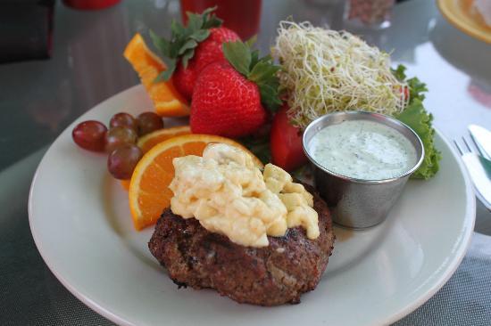 Melanie's Food Fantasy: butter burger (ordered mine with no bun)