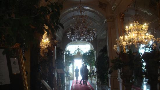 Grand Hotel Des Iles Borromees: Pasillo