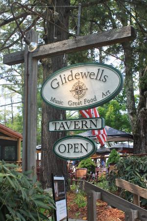 Glidewells: Sign