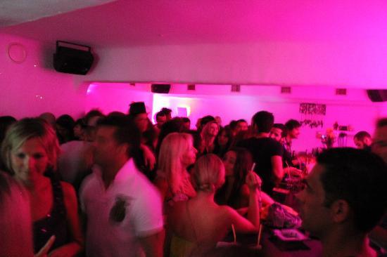 Coo Bar Ios: Fun coloured lights