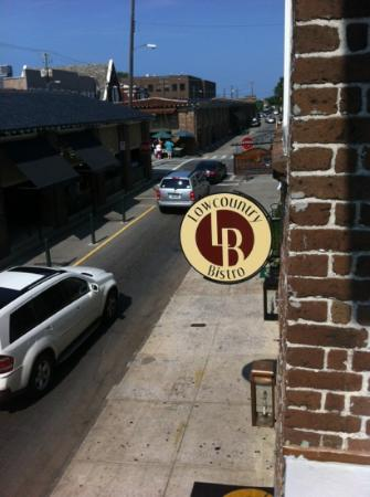 Low Country Bistro: signage
