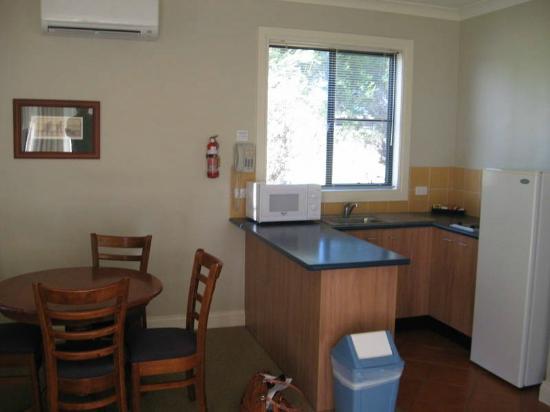 Leisure Inn Pokolbin Hill: good kitchen