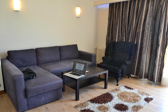 هوتل بايلان - باسمان: Livingroom
