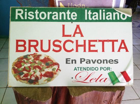 La Bruschetta: Pizza italiana deliciosa!
