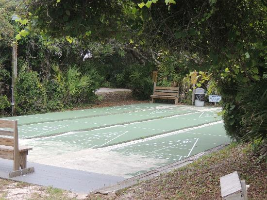 North Beach Camp Resort : Shuffle board area at North Beach