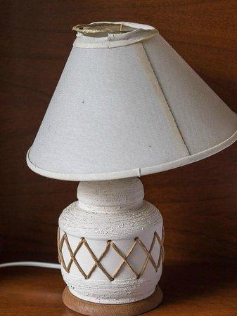 Studio Pueyrredon: broken tablelamp