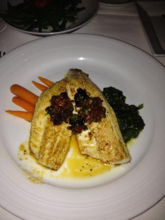 Wolfgang Puck Bar & Grill: sea bass