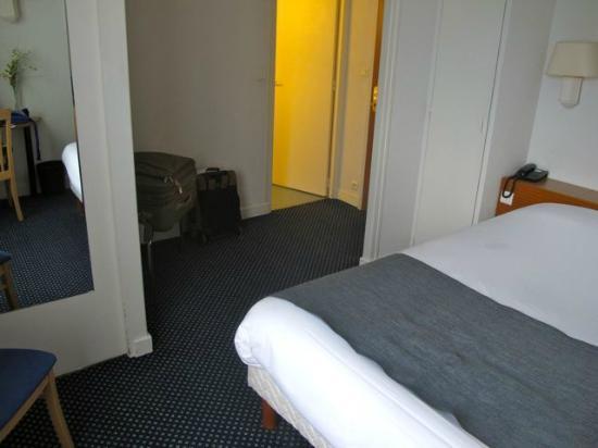Hotel le Progres: Queen room