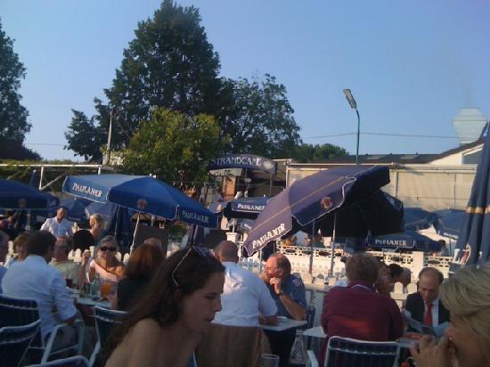 Strandcafe: Voll jeden Sommerabend