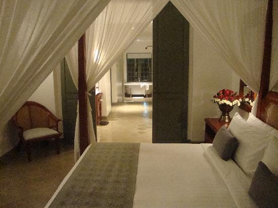 Hotel Amantaka: The bedroom in our suite