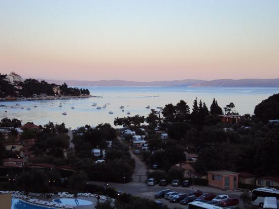 Рабац, Хорватия: La baia al tramonto