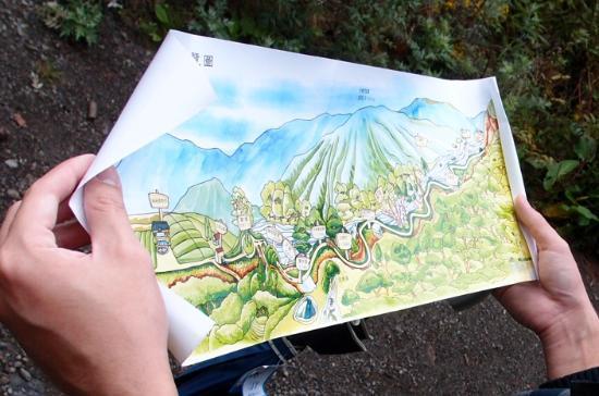Huagang Gao Haiba: 渡假村提供的合歡溪步道精美地圖 the map provided by hotel