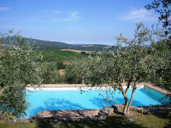 L'Aia Country Holidays: piscina