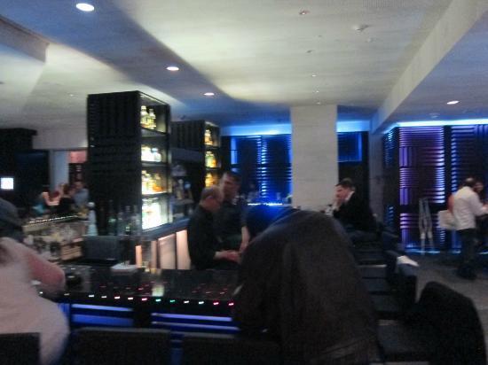 W San Francisco Refreshed Living Room Bar