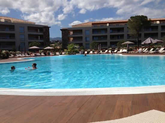 Residence Salina Bay : piscine de rêve