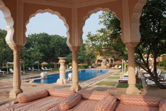 The Oberoi Rajvilas: The Pool