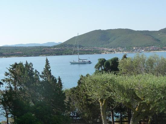 Hotel Palumbalza Porto Rotondo : Blick vom Garten auf die Bucht