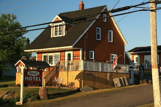Albert's Motel: Rezeptionsgebäude