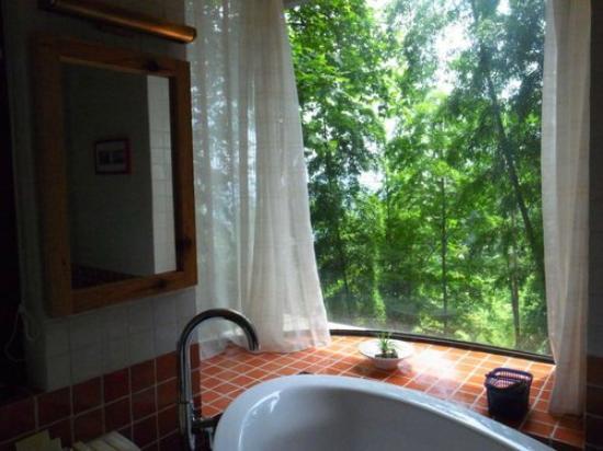 The Mystic Mogan Hotel: bathroom