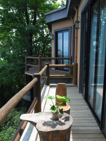 The Mystic Mogan Hotel: balcony