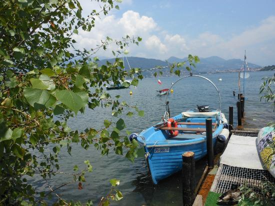 Island of the Fishermen (Isola dei Pescatori): isola dei pescatori