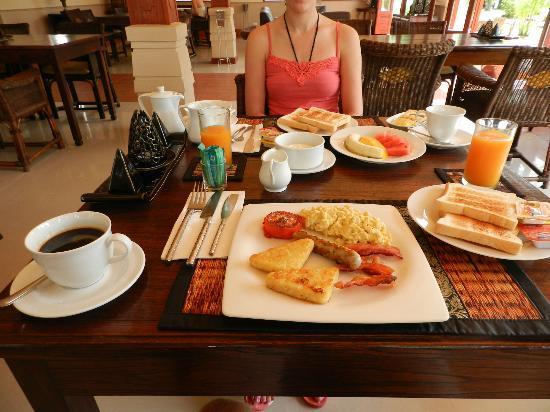The Pe La Resort: Breakfast