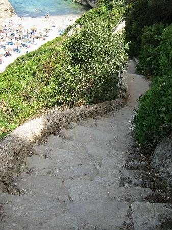 HYB Eurocalas : 145 ступенек к пляжу