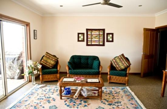 Duck Duck Goose Bed and Breakfast: Private lounge