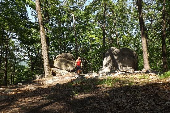 Manitoga / The Russel Wright Design Center: Big rocks along Manitoga hiking trail