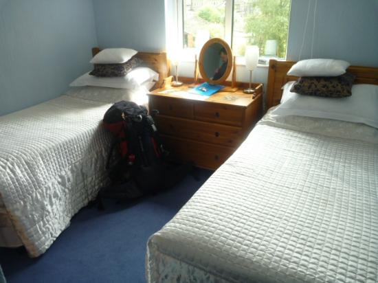 Scar Croft Bed and Breakfast: The twin bedded room