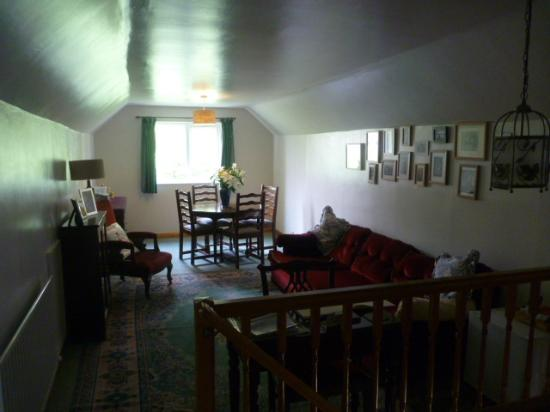 Scar Croft Bed and Breakfast: The Dining area and Residents area