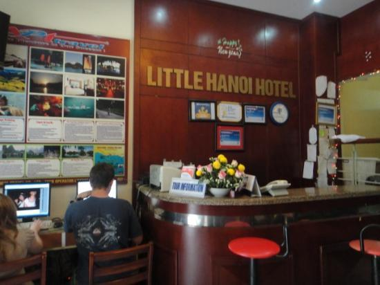 Little Hanoi Hostel : they have computers with internet connection