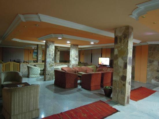 Al Rashid Hotel: The main lobby