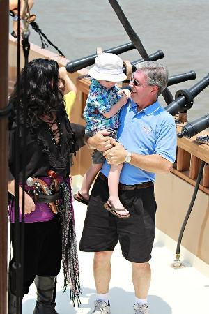 Savannah River Street Pirates: Lucas and his Papa getting pirate instructions