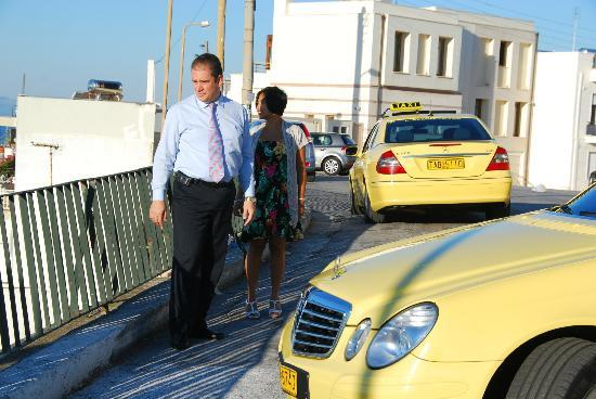 A.R.D. Taxi Day Tours in Athens: Mr Spyros and his taxi