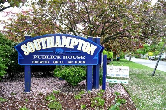 Southampton Publick House : Outside