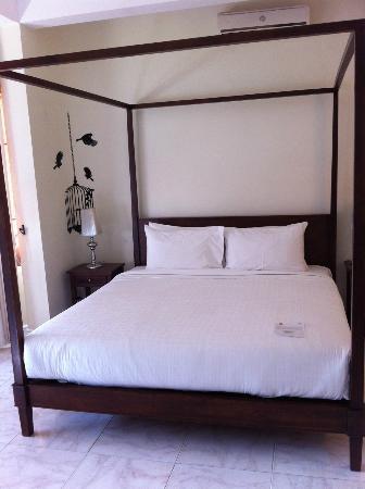 Jasmin Monument Hotel: bed