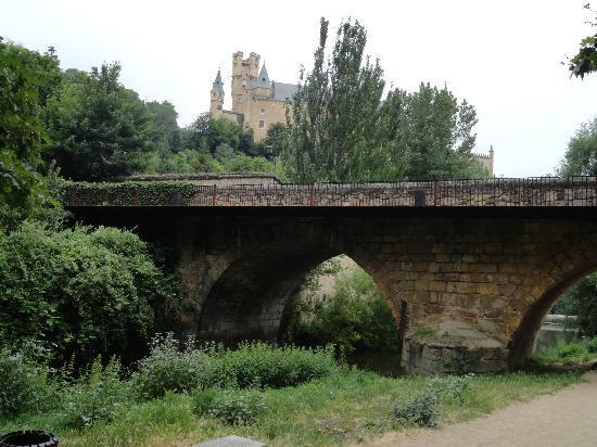 Exe Casa de Los Linajes: Walking in Segovia