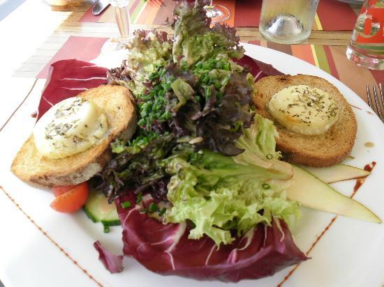 Coeur et Creme : salade de chèvre chaud