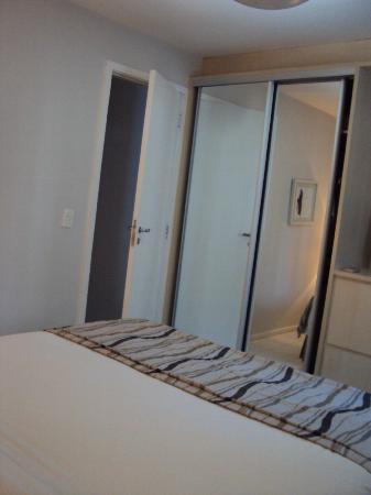 Quality Suites Botafogo: armário
