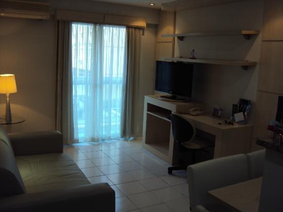 Quality Suites Botafogo: Sala e área de trabalho