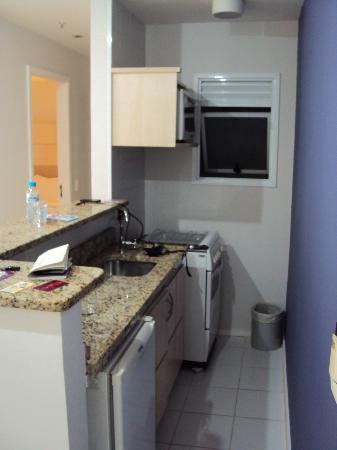 Quality Suites Botafogo: cozinha completa