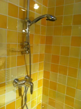 Mas Saint Michel : hot water gaurantee